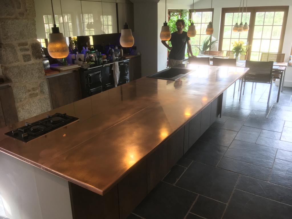 COPPER WORKTOPS AND BARS